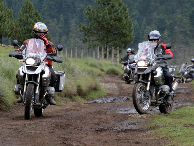 Caravana en moto por América con Emilio Scotto