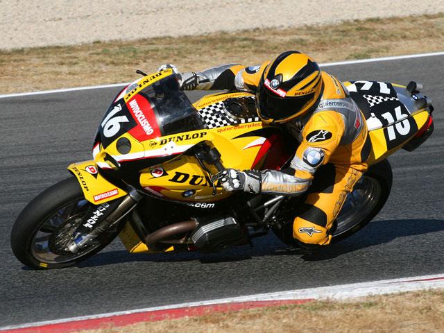 Dunlop te lleva a una prueba de resistencia con Kawasaki y Quiero ser Piloto