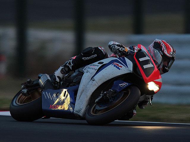 La increíble aventura de Carlos Checa (Honda)