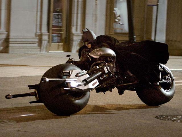 Batman se pasa a las dos ruedas