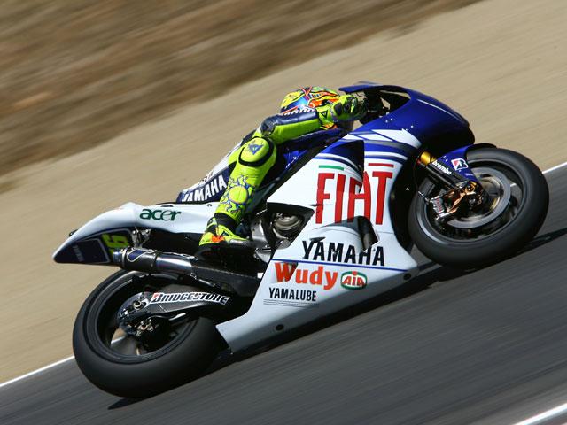 Iannone (Aprilia), Simoncelli (Gilera) y Rossi (Yamaha) empiezan fuerte en Brno