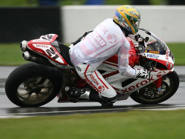 A la segunda fue la vencida para Troy Bayliss (Ducati)