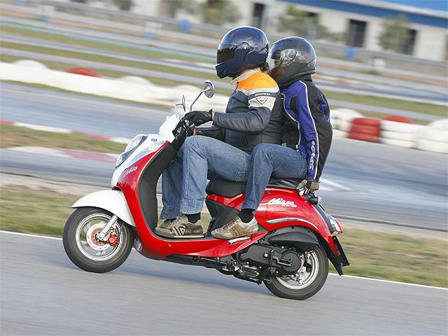 Aclaración: Se podrá llevar pasajero en ciclomotor