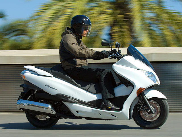Honda Forza 250X/EX, ya la venta