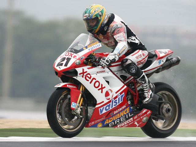 Bayliss (Ducati) saldrá desde la pole en su asalto al título de SBK