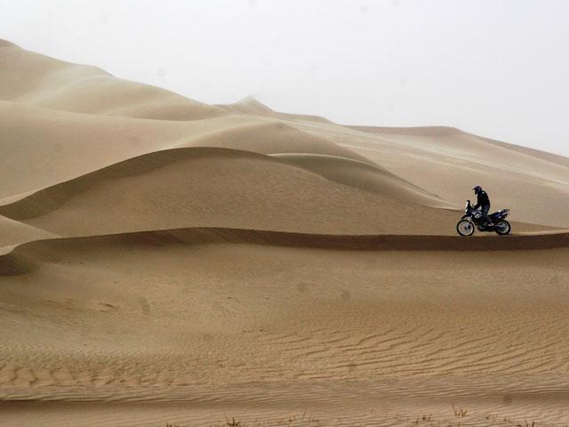 Los desiertos del mundo en moto