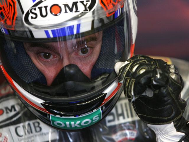 Max Biaggi concluye sus dos días de test con Aprilia en Valencia