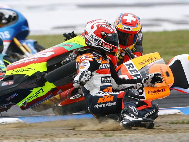 Grave caída de Márquez (KTM) en los entrenamientos libres de Malasia