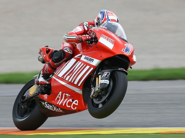 Stoner (Ducati) se lleva la última victoria de la temporada