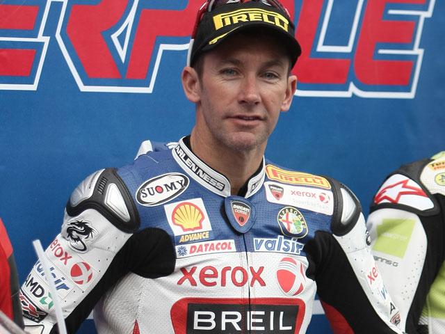 Troy Bayliss despide su carrera deportiva en superbike con doblete en Portugal