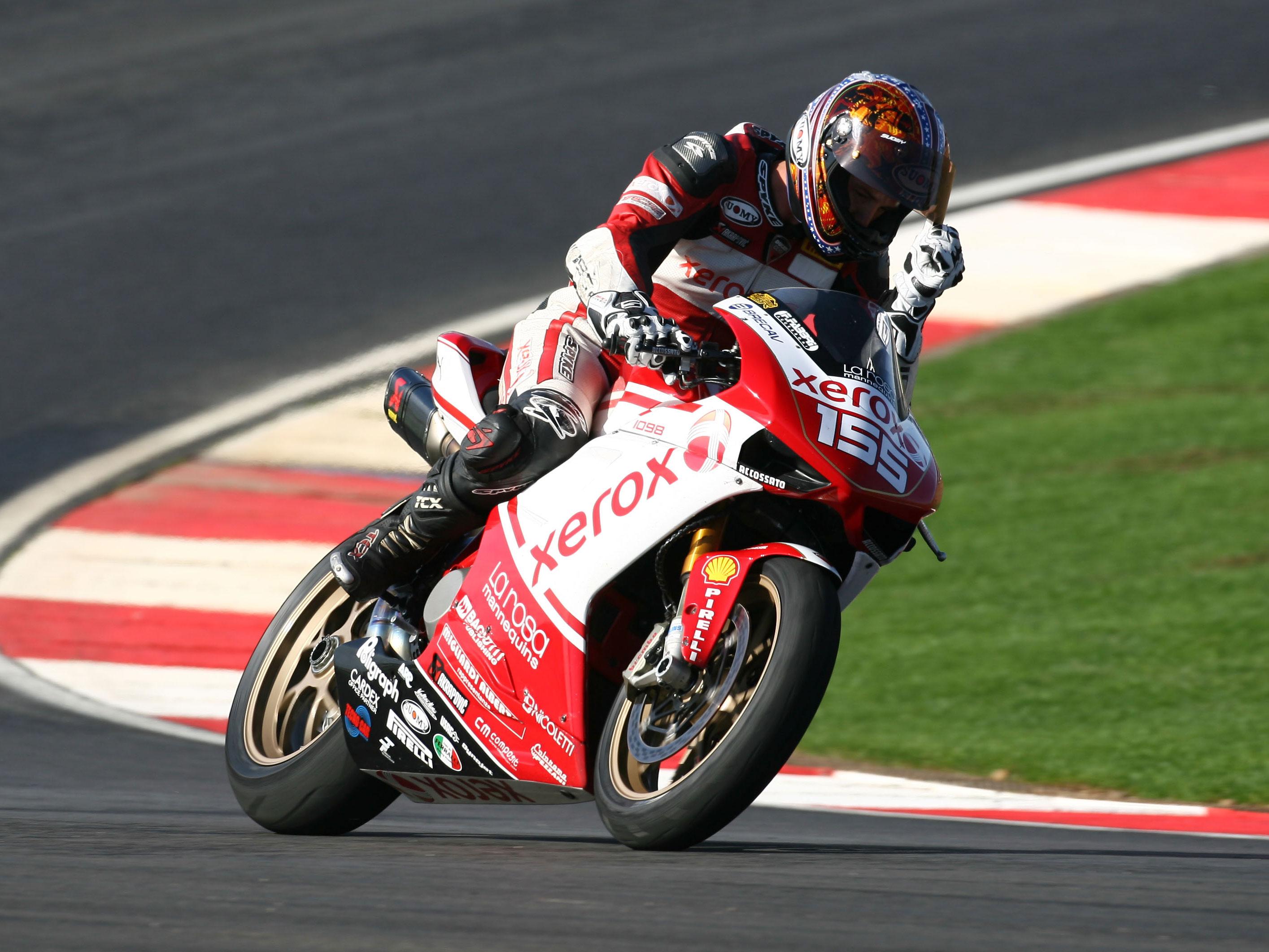Roberts (Ducati), campeón de Superstock 1000