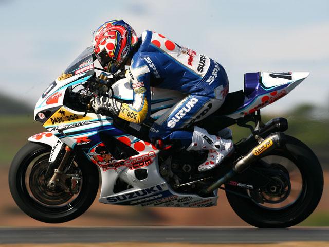 Fonsi Nieto seguirá con Suzuki en el Mundial SBK