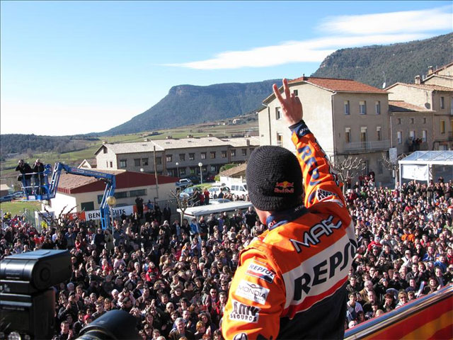 Aviá rinde homenaje a Marc Coma (KTM)