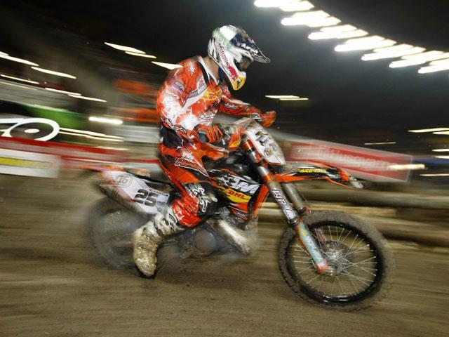 Iván Cervantes (KTM) gana el Enduro Indoor de Génova