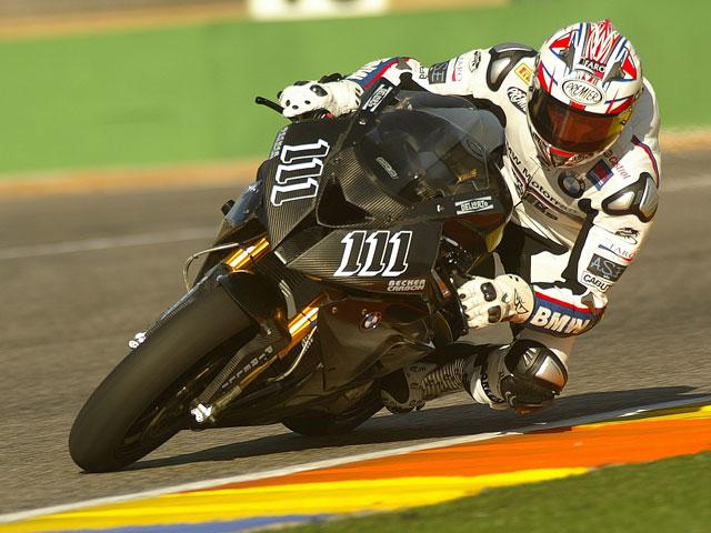Corser y Xaus ponen a punto la BMW S1000RR en Valencia