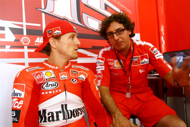 Juan Martínez se incorpora al equipo Ducati Marlboro de MotoGP