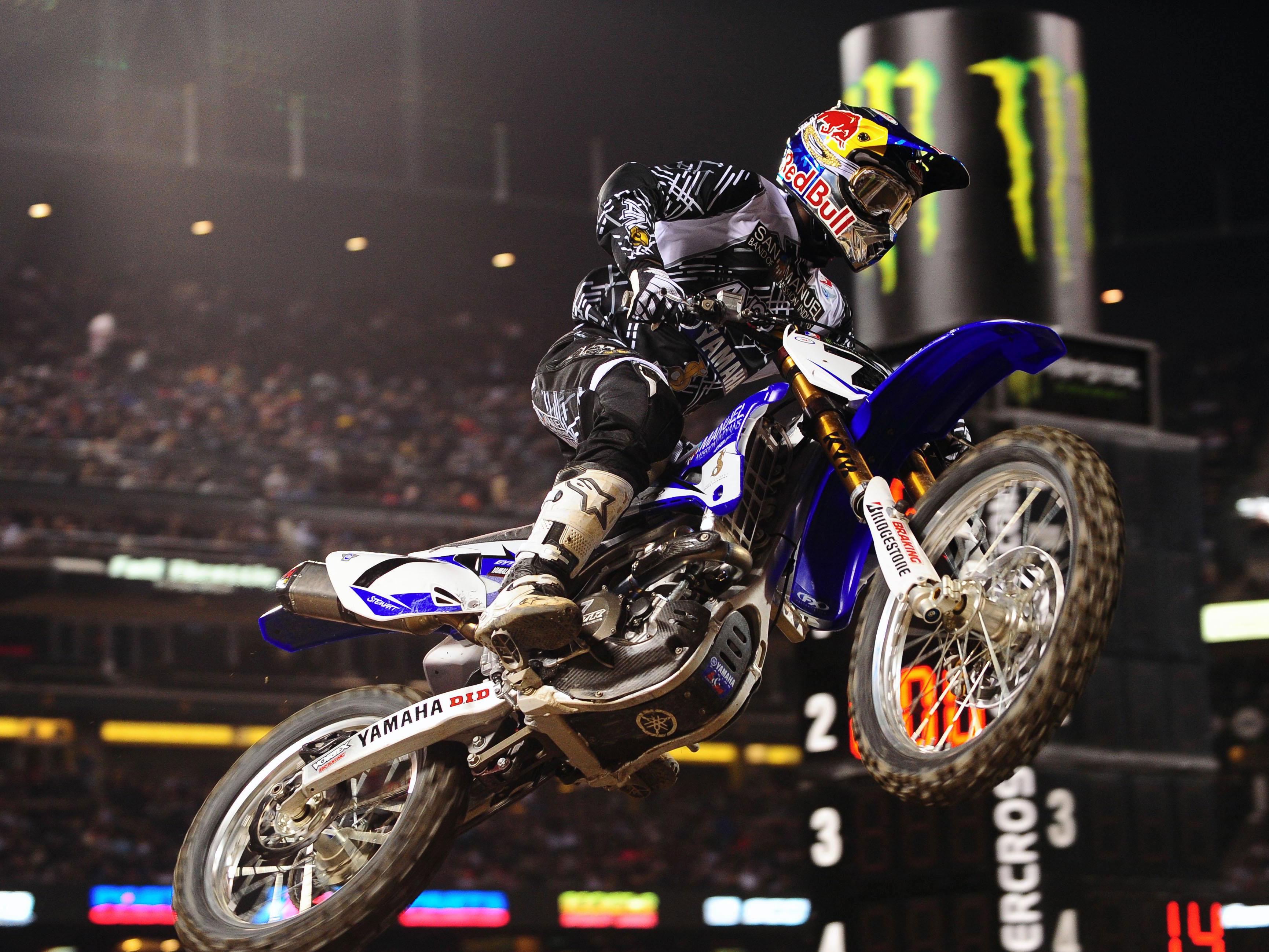 James Stewart (Yamaha), por fin líder