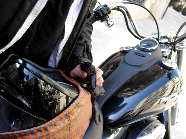 Bolsas para llevar el casco de tu moto