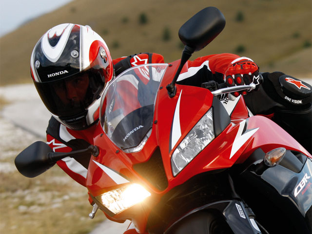 La Honda CBR 600 RR C-ABS, ya disponible