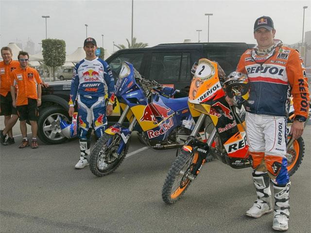 Marc Coma (KTM) mantiene la lucha con Cyril Després (KTM)