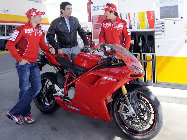 """Stoner y Hayden, """"gasolineros"""" en Madrid"""
