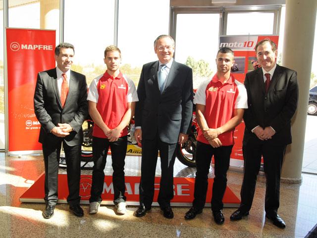 El Mapfre Aspar Team de Motociclismo visita la sede social de la aseguradora