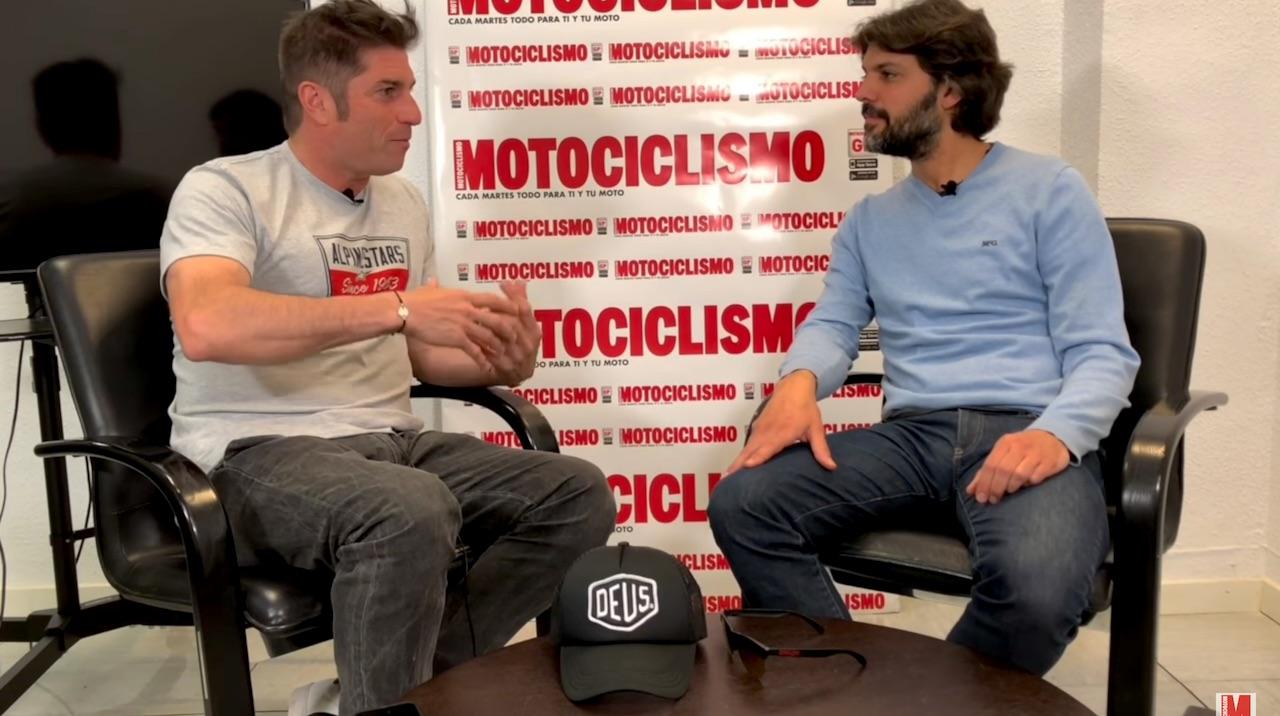"Óscar Haro: ""Valentino Rossi se 'pegaba' con uno o dos pilotos, Marc Márquez con siete"""