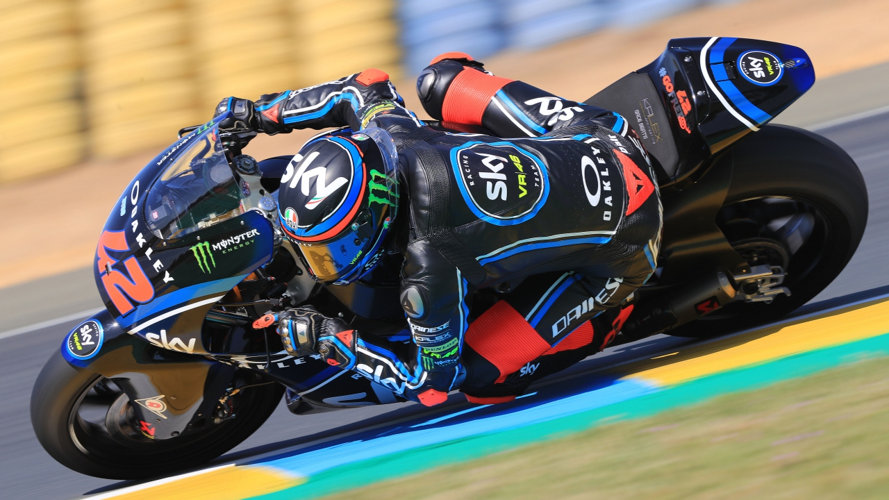 Pecco Bagnaia bate a Álex Márquez en Le Mans y Joan Mir se estrena en el podio de Moto2