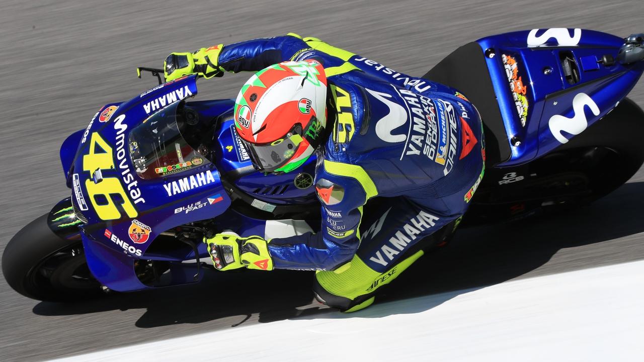 Valentino Rossi incendia Mugello con pole y récord del circuito en MotoGP