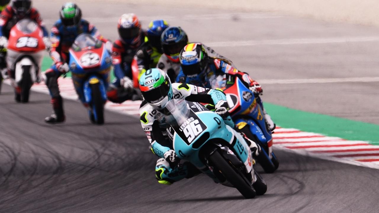 Sergio García y Manuel Pagliani vencen en Moto3 en un día trágico en Barcelona