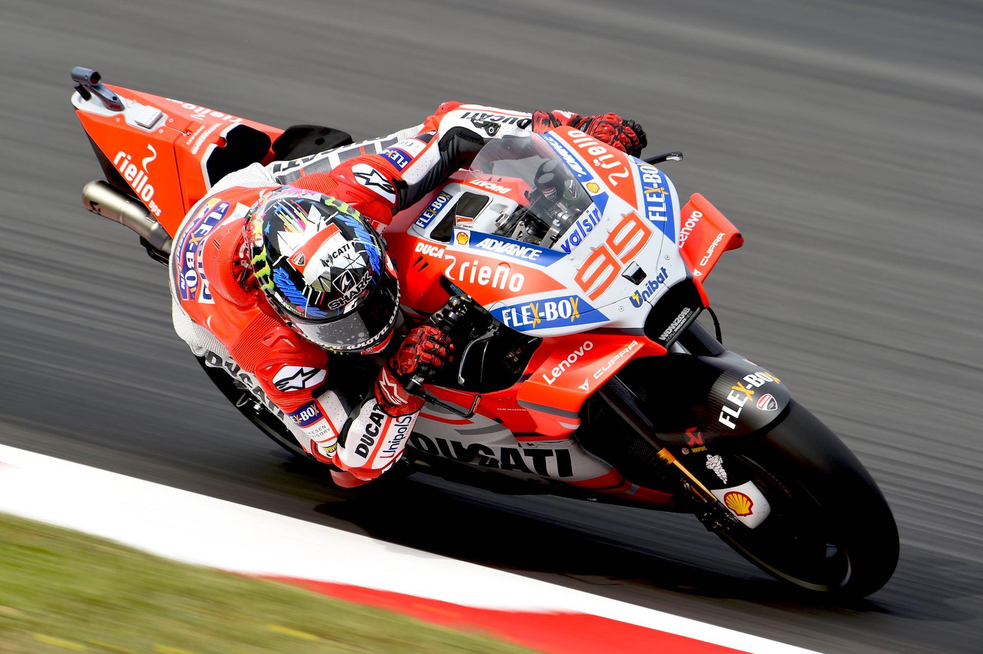 Jorge Lorenzo se aferra al martillo y suma su segunda victoria con Ducati