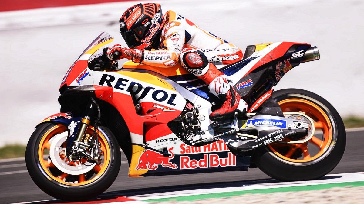 Marc Márquez supera a Andrea Iannone en el test de MotoGP en Catalunya
