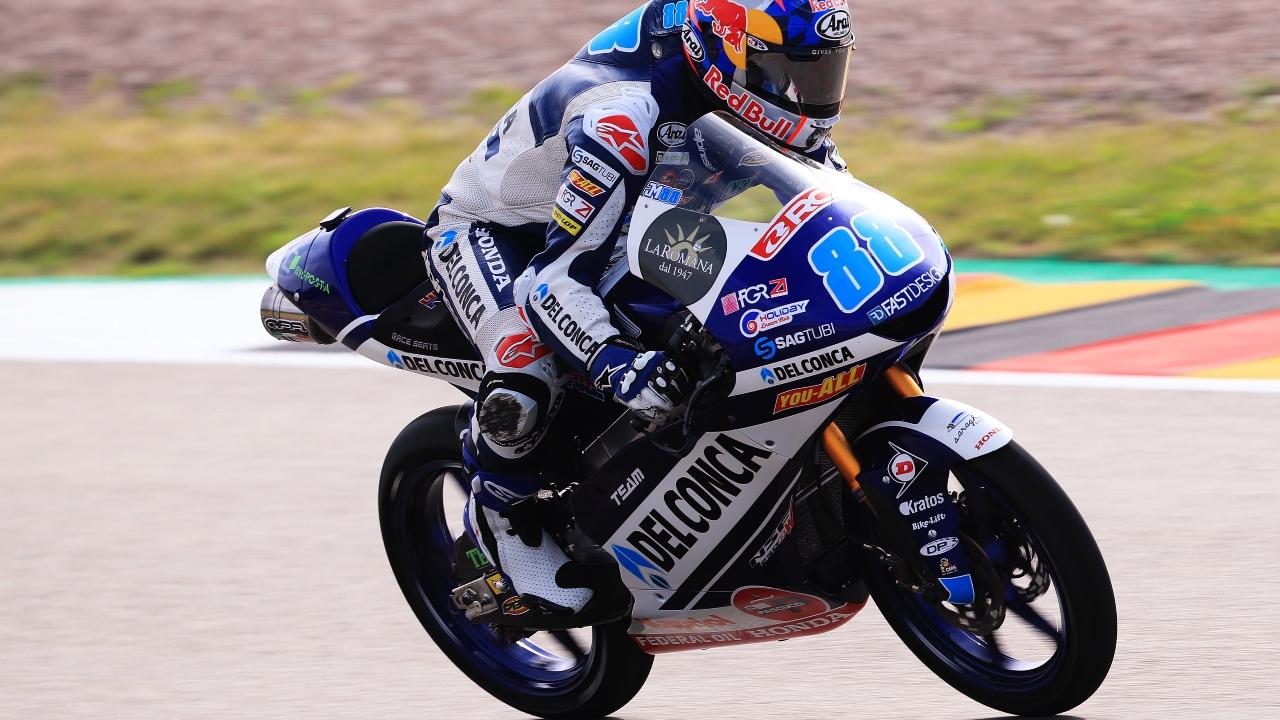 Jorge Martín da otra lección de poderío en Sachsenring y amplía su liderato en Moto3