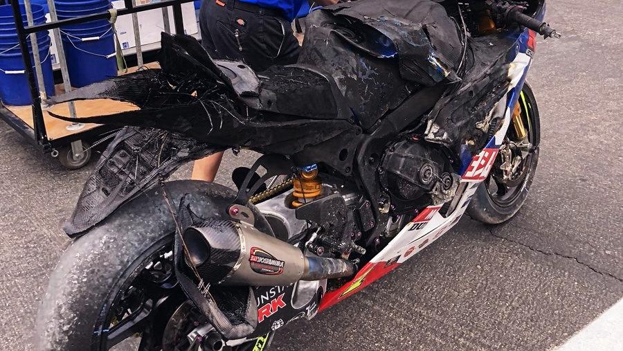 La Suzuki de Toni Elías acaba envuelta en llamas tras una caída en Utah