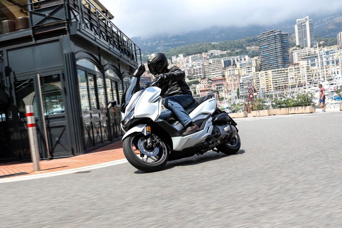 Honda Forza 300, prueba, ficha técnica y primeras impresiones
