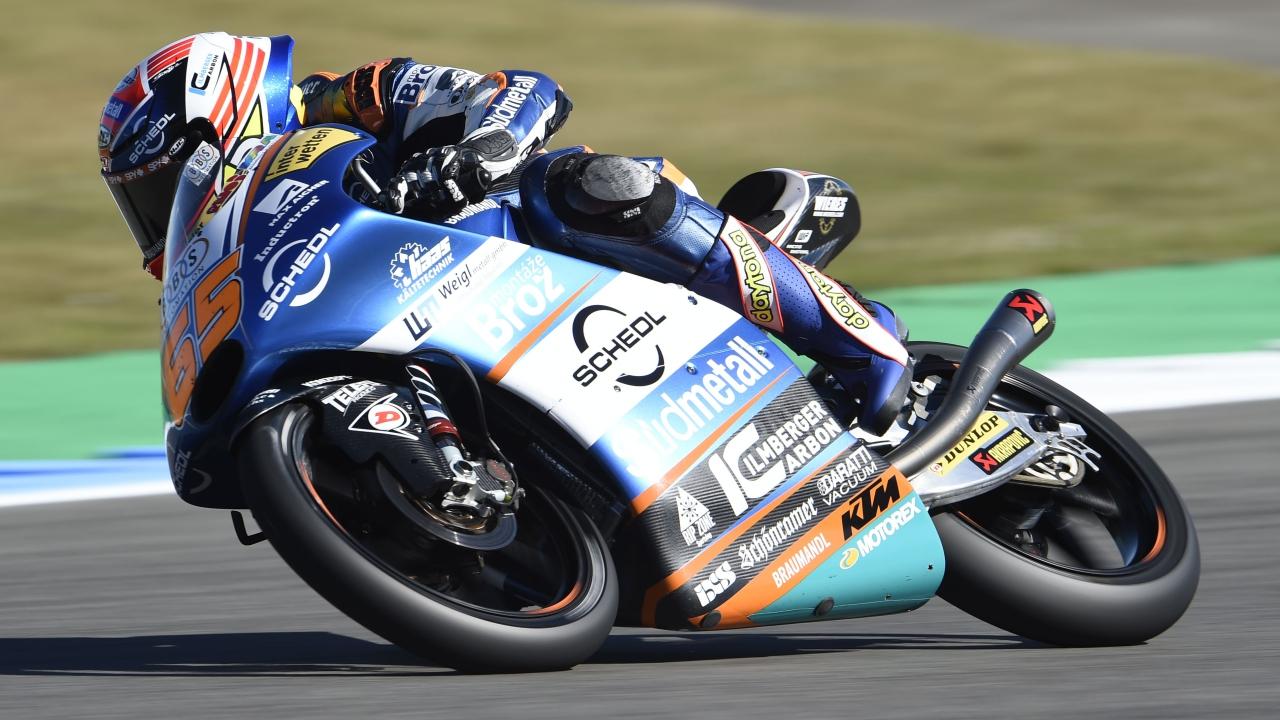 Philipp Oettl lidera Moto3 en Brno un viernes marcado por la lesión de Jorge Martín