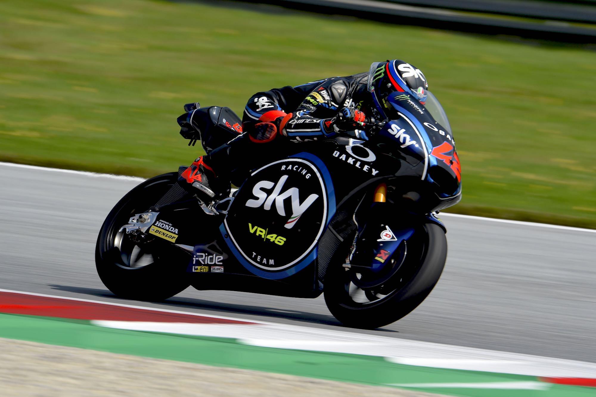 Pecco Bagnaia triunfa en Austria tras medirse con Miguel Oliveira hasta la última vuelta