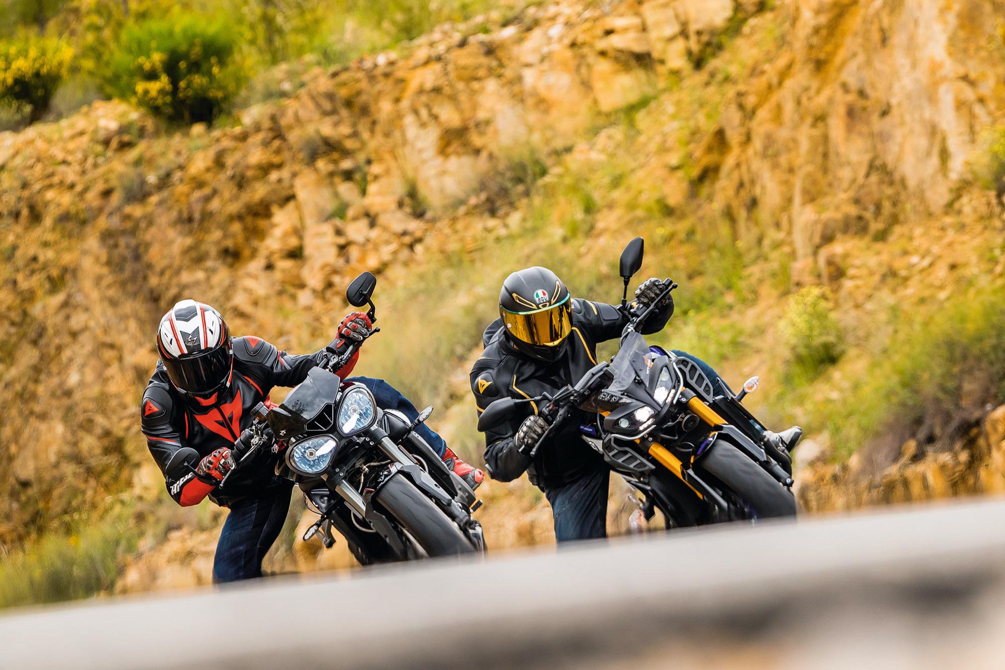 Comparativa Yamaha MT-09 SP vs Triumph Street Triple RS, duelo entre las joyas de la categoría