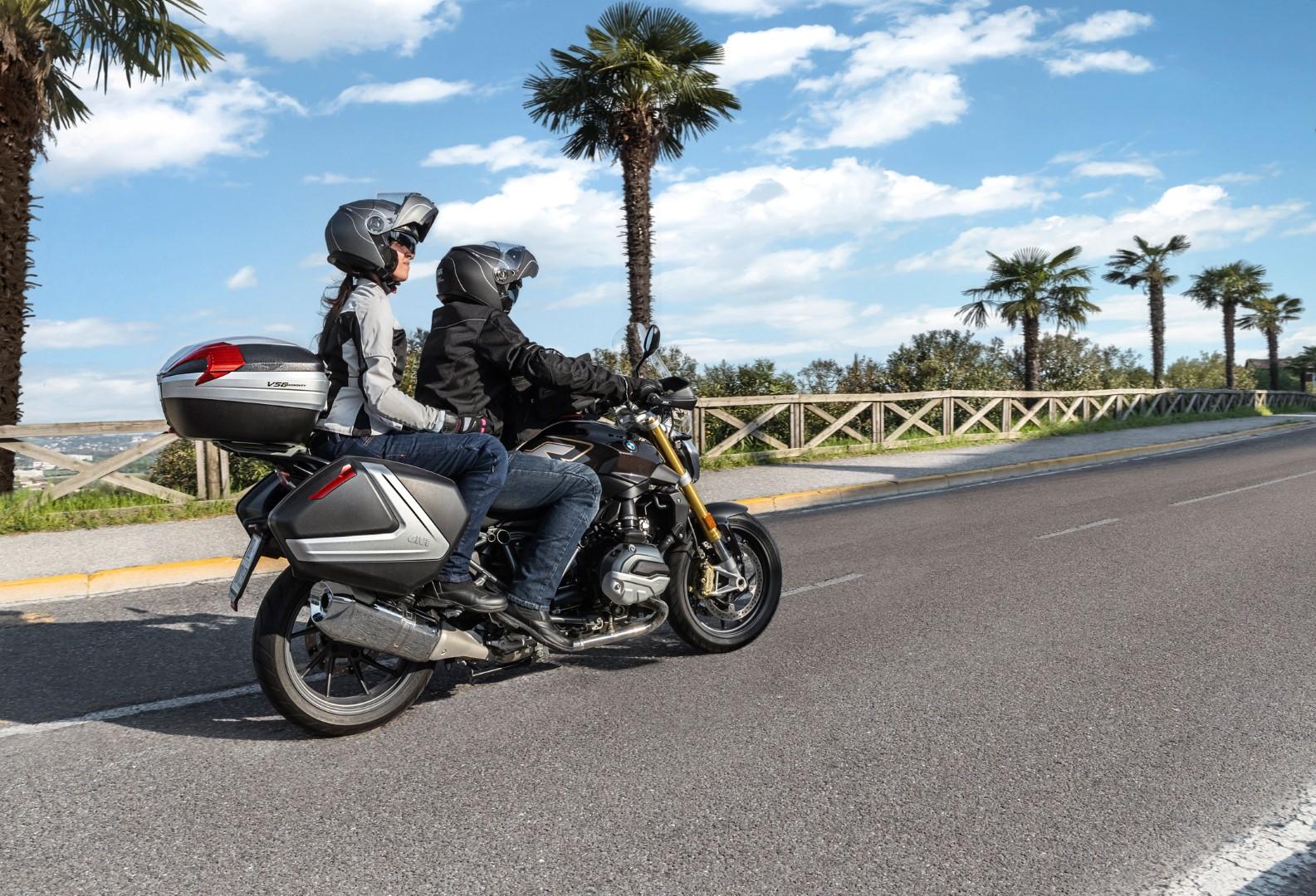 Cómo hacer de tu moto la compañera perfecta para ir a comprar