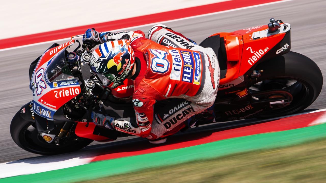 Andrea Dovizioso gana en Misano, Jorge Lorenzo cae y Marc Márquez es más líder de MotoGP