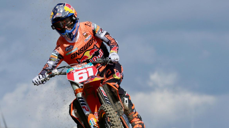Jorge Prado se luce en Assen y roza el título mundial de MX2