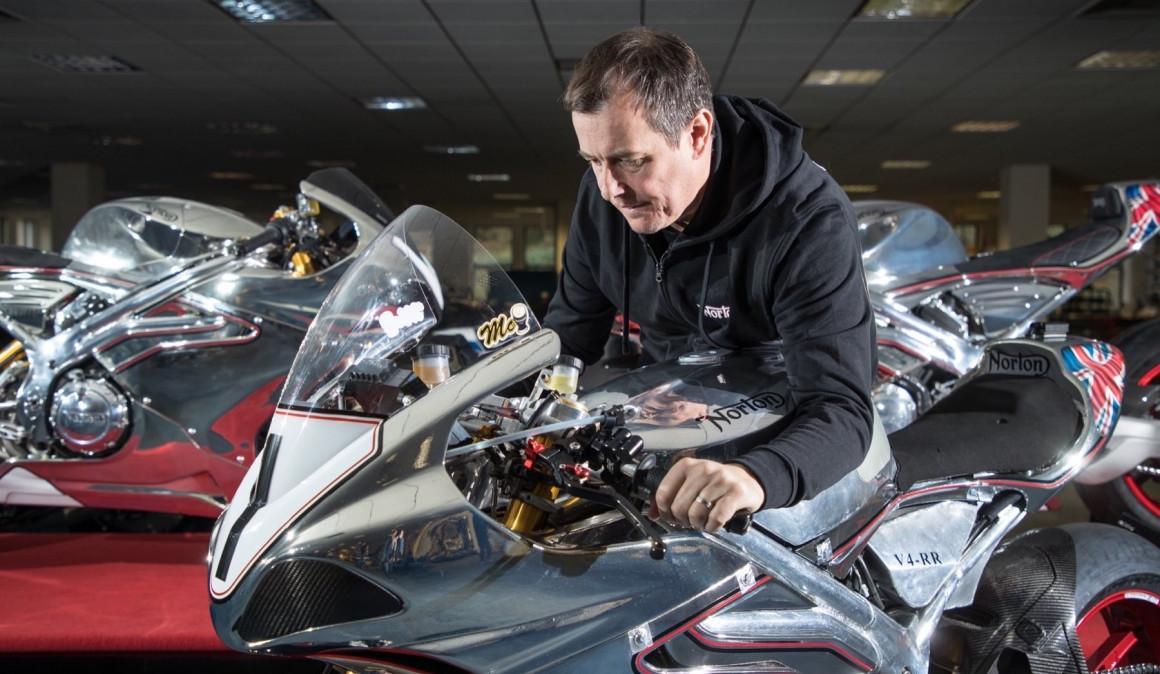 John McGuinness vuelve a la competición de primer nivel… ¡con Ducati!
