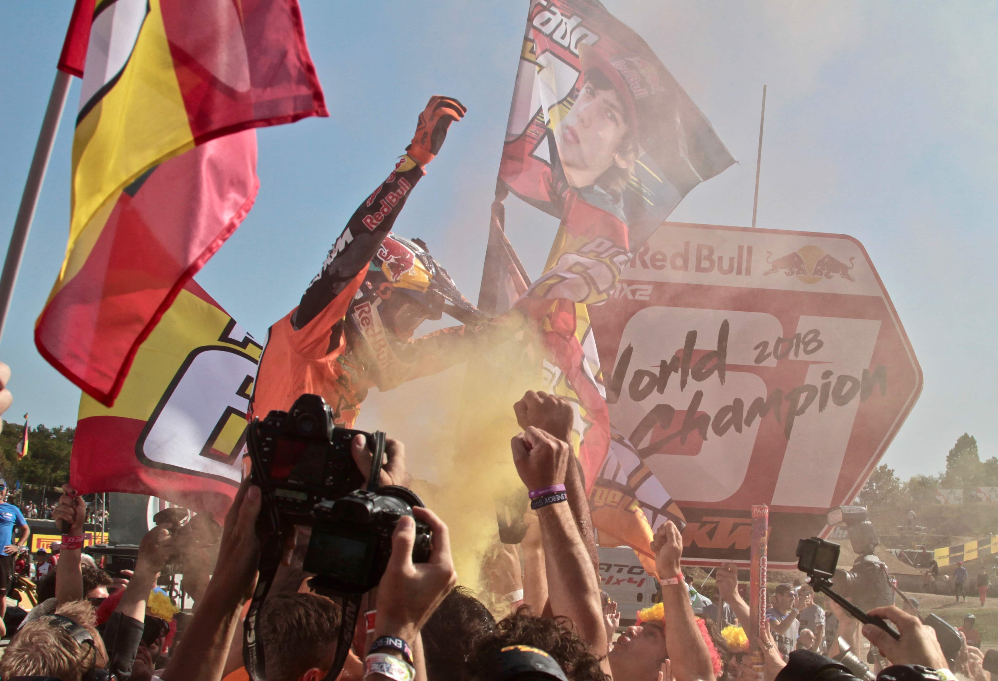 Jorge Prado y Herlings reafirman su condición de campeones ganando en Ímola