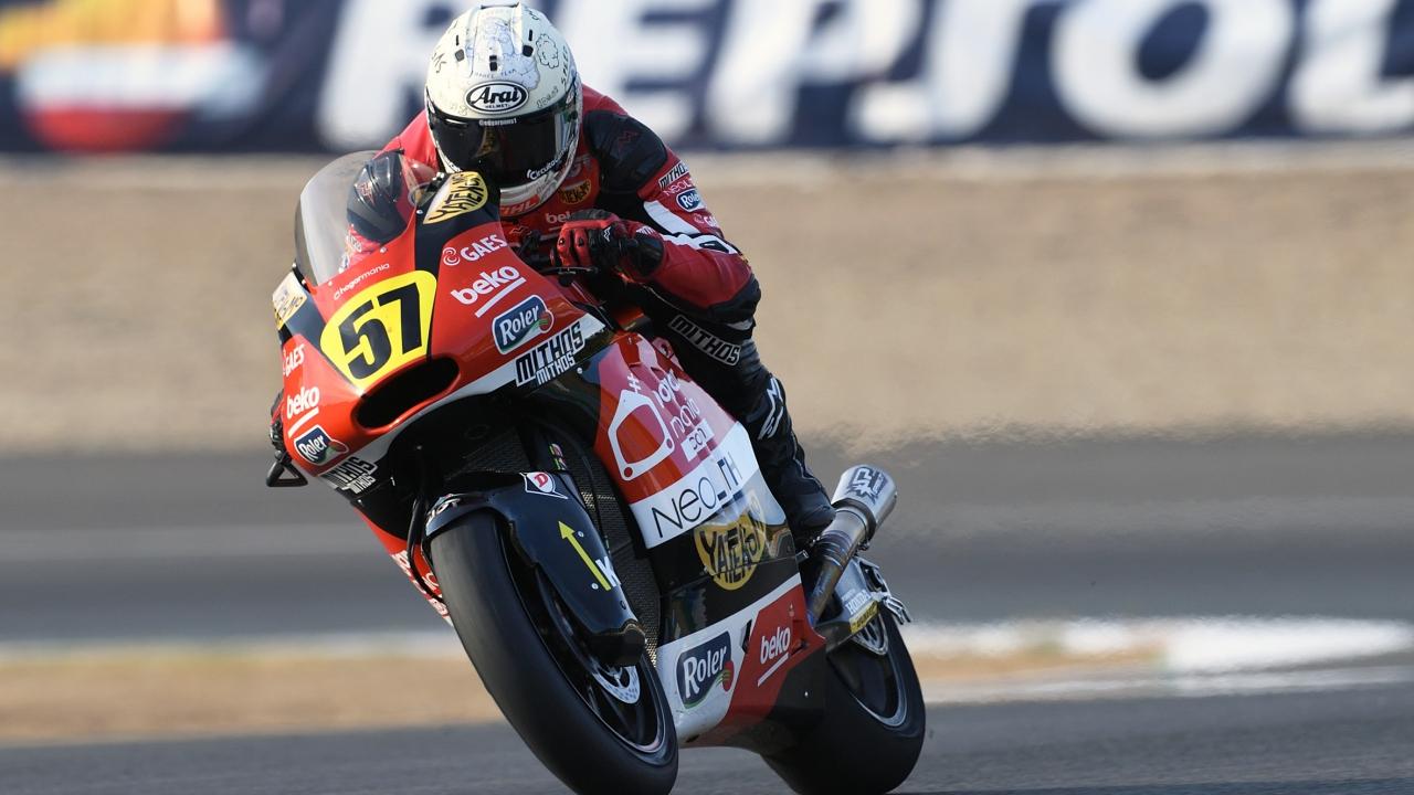 Edgar Pons arrasa en Jerez ante un Jesko Raffin que se acerca al título de Moto2