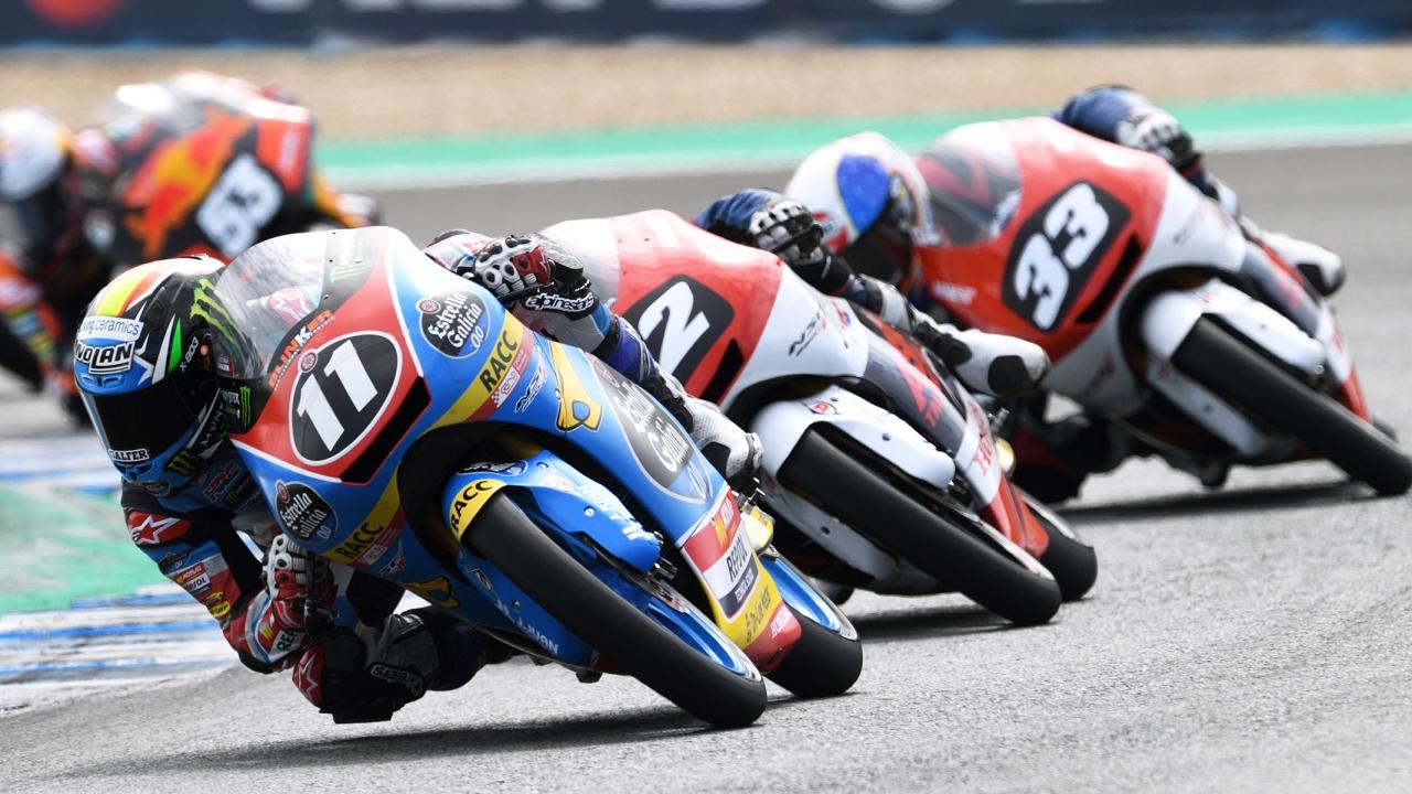 Yuki Kunii y Sergio García vencen en Jerez, Raúl Fernández sale más líder de Moto3