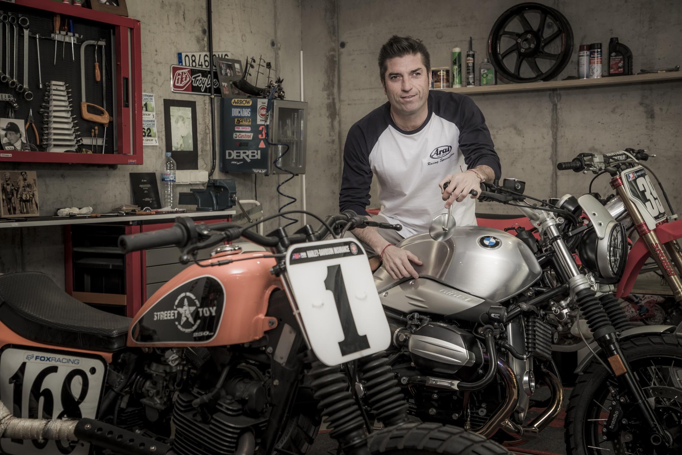 """Óscar Haro: """"Casey Stoner es el que más me ha impresionado sobre una moto"""""""