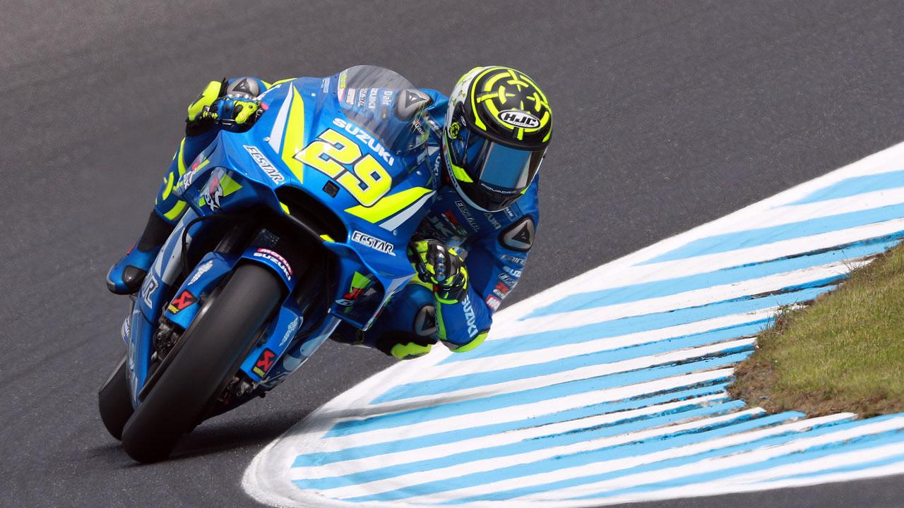 Andrea Iannone domina en Phillip Island y las Honda se van al suelo