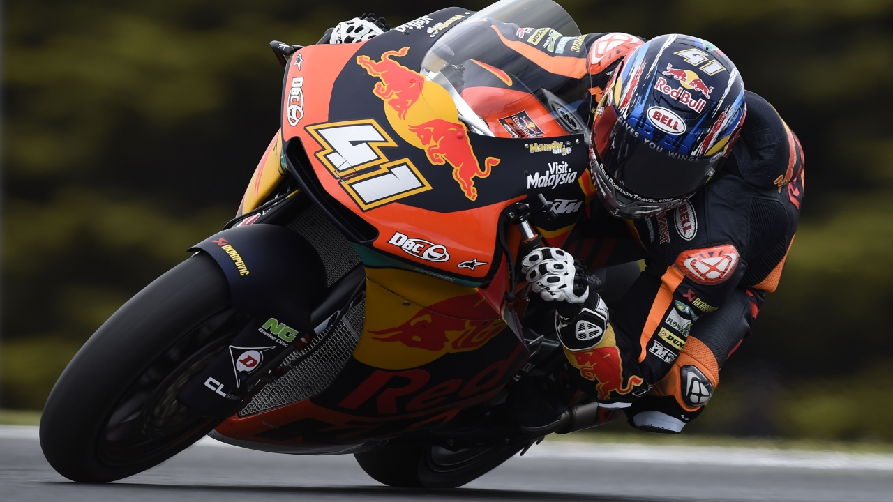 Brad Binder vence a Joan Mir en Australia con Xavi Vierge de vuelta al podio en Moto2