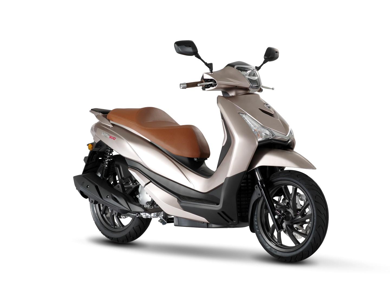 SYM HD 300, renovación por completo del ciudadano de rueda alta