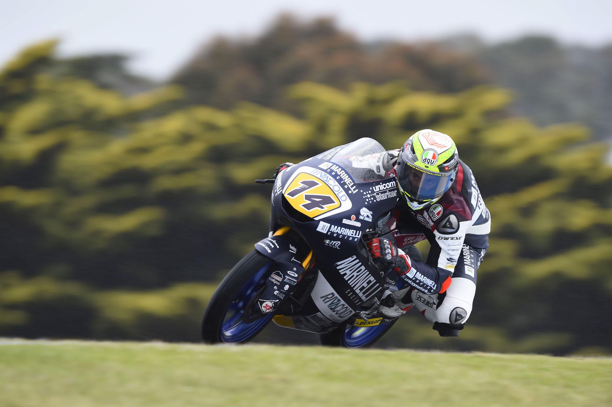 Tony Arbolino lidera Moto3 en unos libres aguados en Malasia